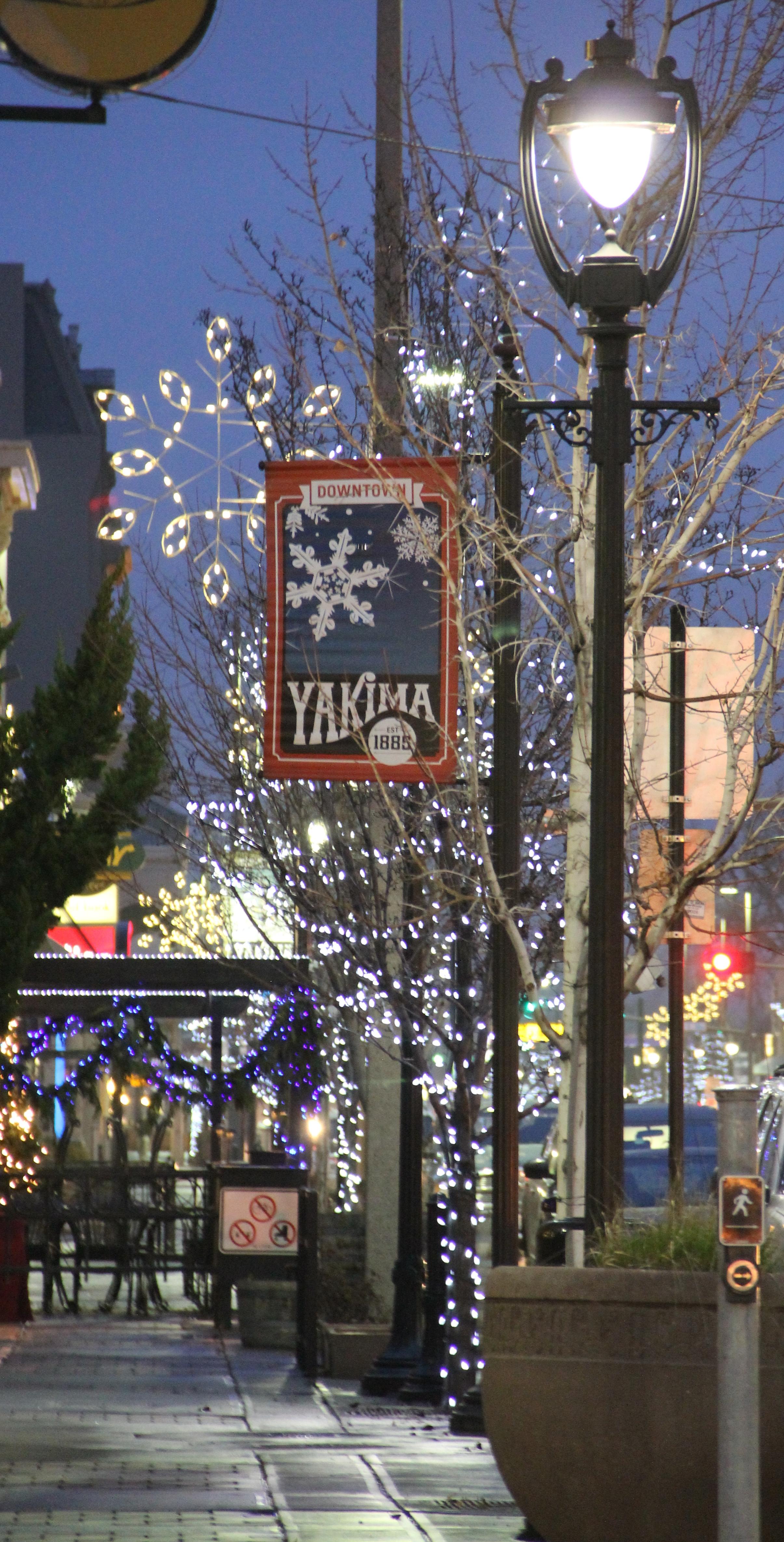 Yakima Christmas Lights Map 2020 Photo of the Week – Light Christmas  12 24 14   Photo of the Week